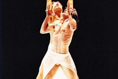 """Szenenbilder """"Mythos"""" Abbildungen von der Erstaufführung an der Wiener Staatsoper, 1999, Fotos: Michael Pöhm"""
