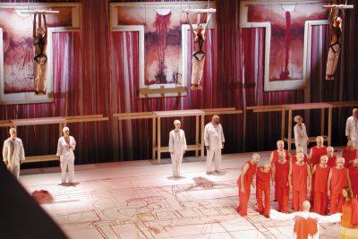 """Szenenbilder """"Satyagraha"""" Festspielhaus St. Pölten, 2001, Fotos: Heinz Cibulka"""
